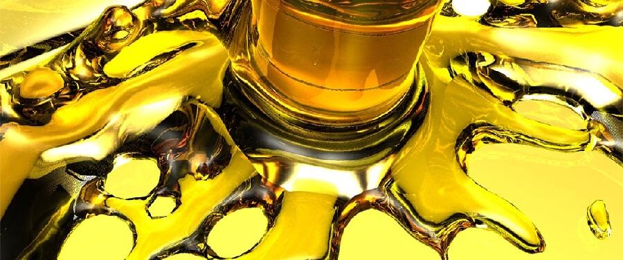 Разливное моторное масло выгодно